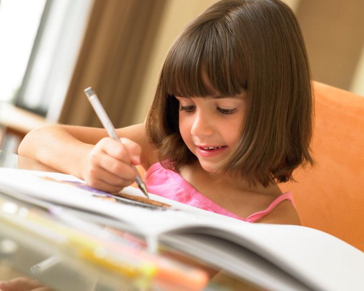 crianca-estudando-thinkstock_e_getty_images
